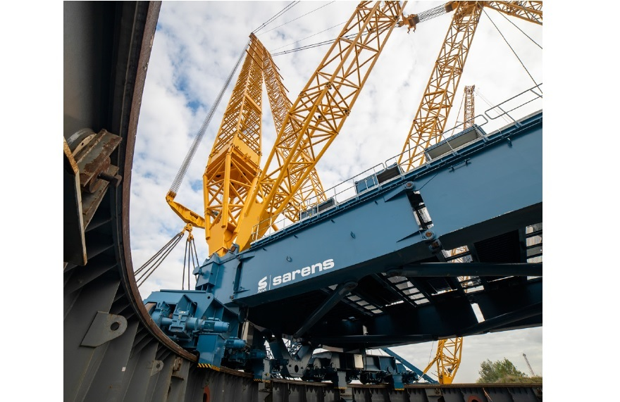 Sarens builds electric-powered heavylift crane