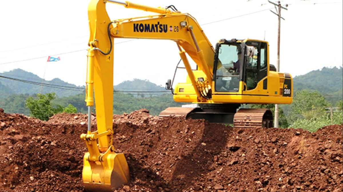 Komatsu digs in with cheaper excavators in Thailand and Indonesia