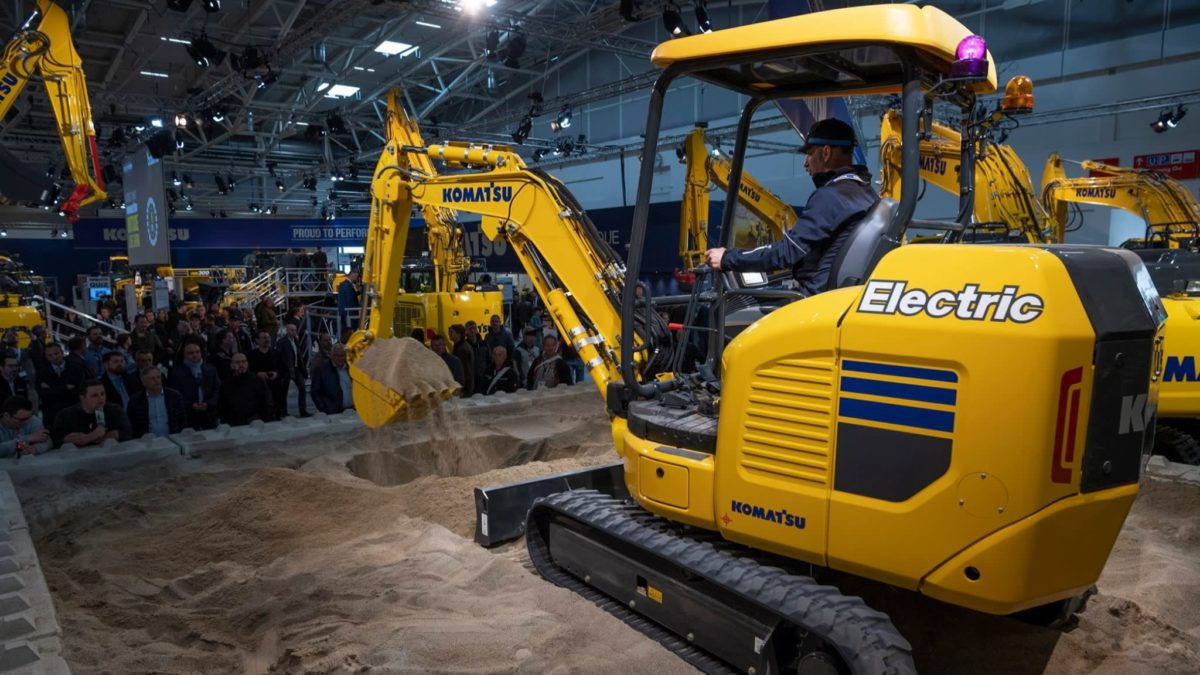 Komatsu to mass-produce electrified excavators with US partner